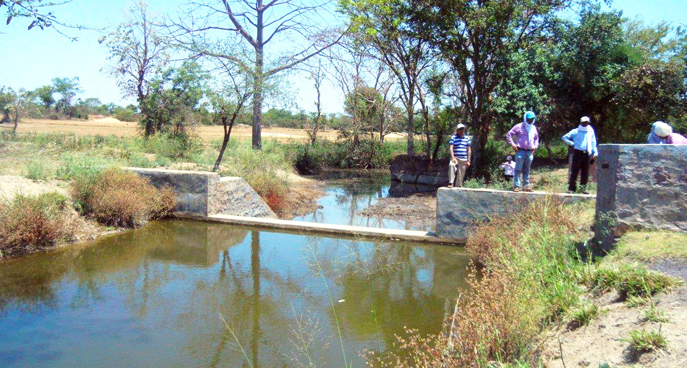 A watershed structure at Parasai-Sindh, Jhansi. Photo: ICRISAT