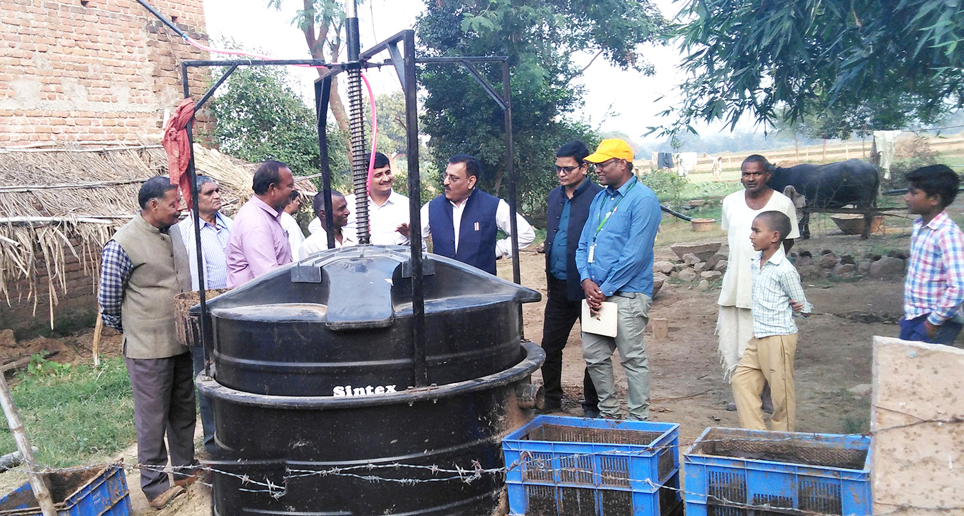 A biogas plant being demonstrated in Chitrakoot district. Photo: ICRISAT.