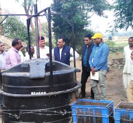 A biogas plant being demonstrated in Chitrakoot district.